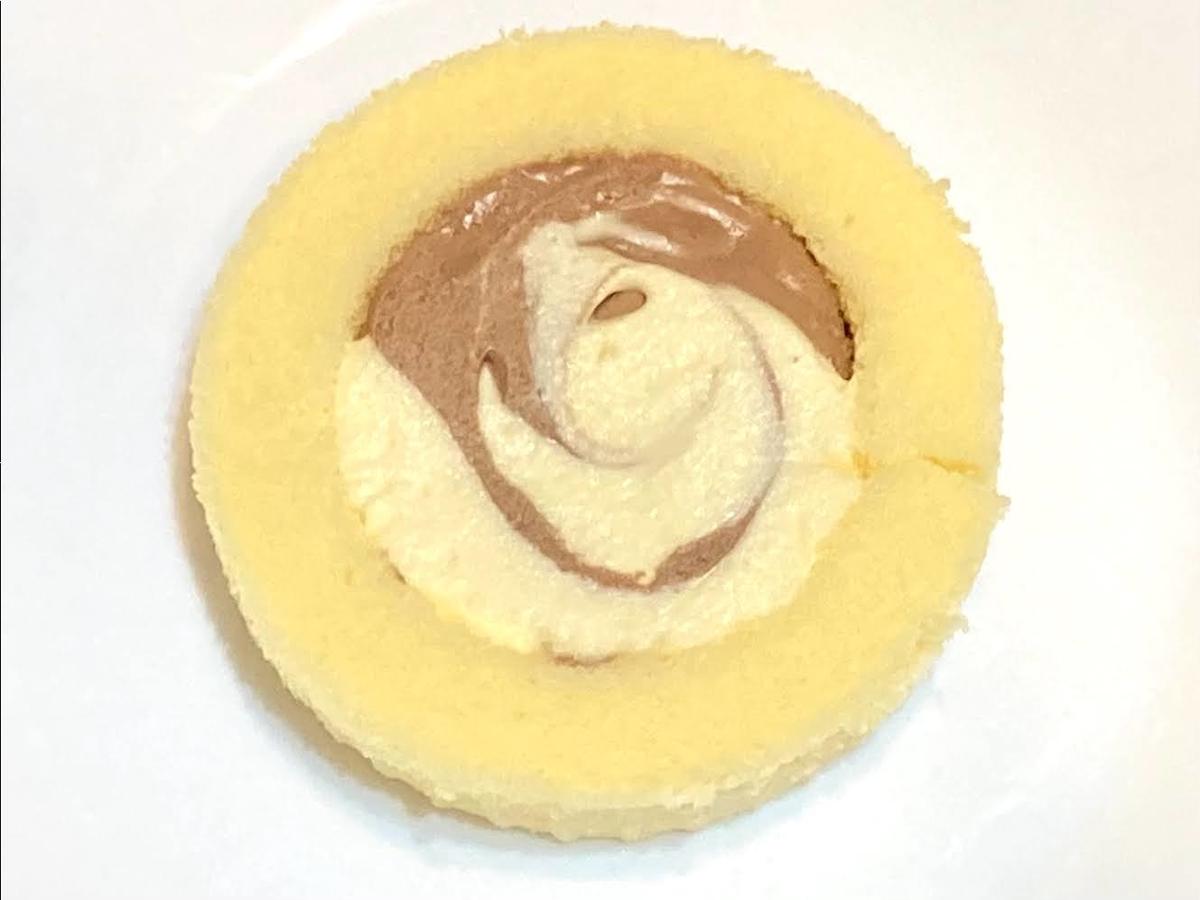 ローソン「Uchi Café×八天堂 かすたーどチョコロール」のサイズ