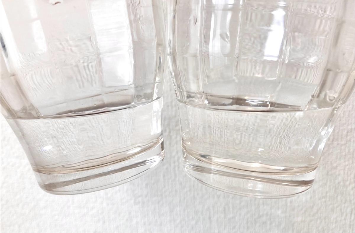 白と茶色のコーヒーフィルター水の違い