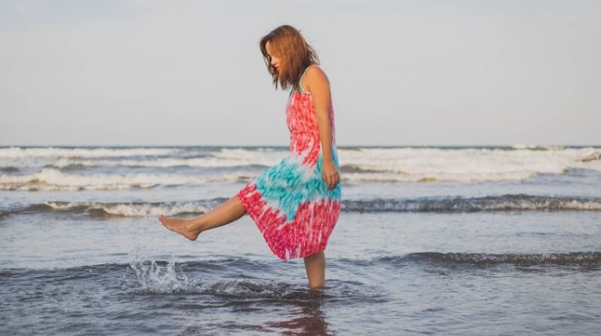 海の女性写真