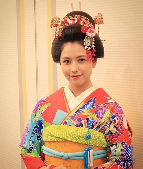 文金高島田スタイルのヘアセット例
