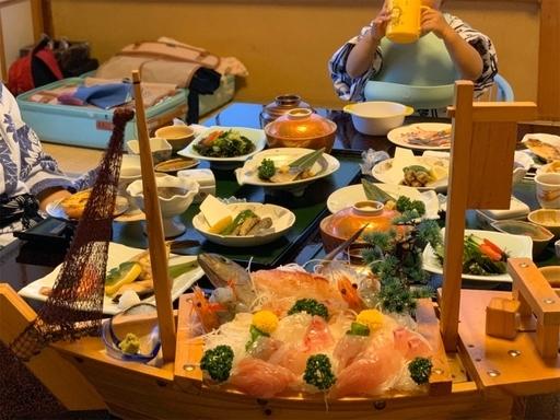 海の幸をふんだんに使った夕食
