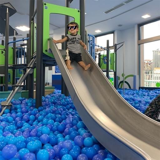 アソブラボーのボールポールと滑り台