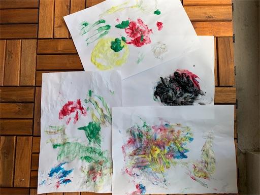 2歳児の描いたフィンガーペイント