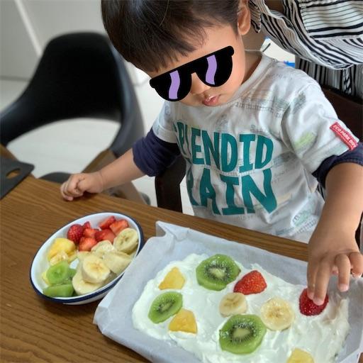 お料理する2歳児