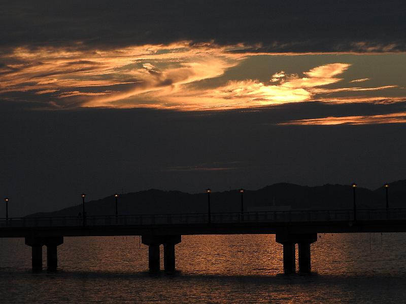 [竹島海岸][秋][雲]