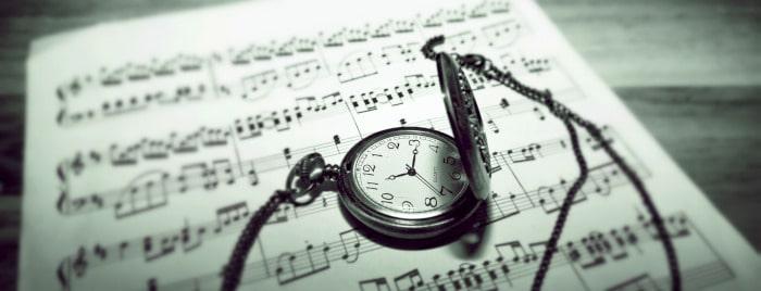 挿絵(楽譜と銀色の懐中時計)