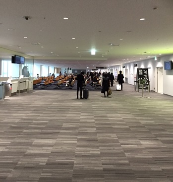 福岡空港のリニューアルされた出発ゲート