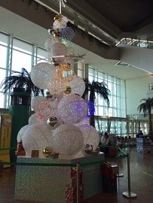 那覇空港のクリスマスツリー