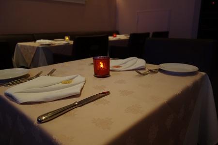 六本木アンディアーモのテーブル