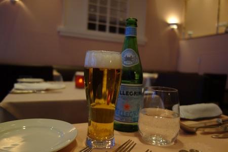 六本木のレストランで生ビール