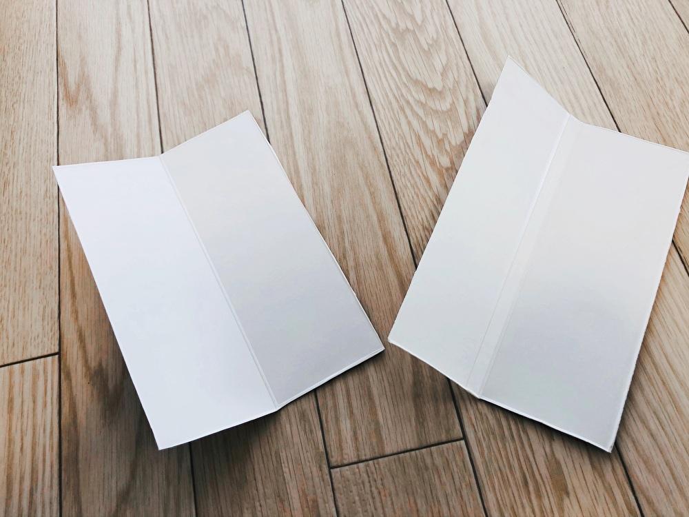 2つの牛乳パックを上から撮影した写真