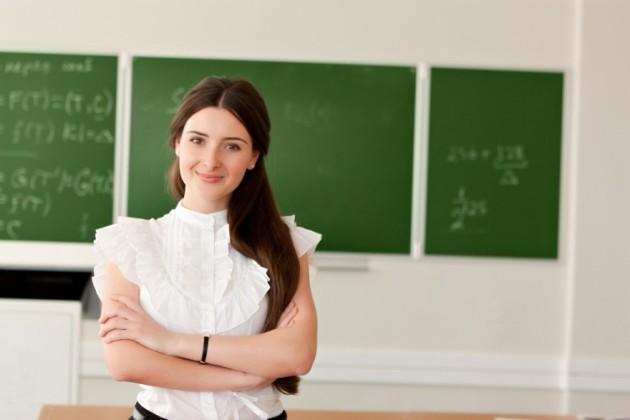 大学生が塾講師のアルバイトをしている画像です