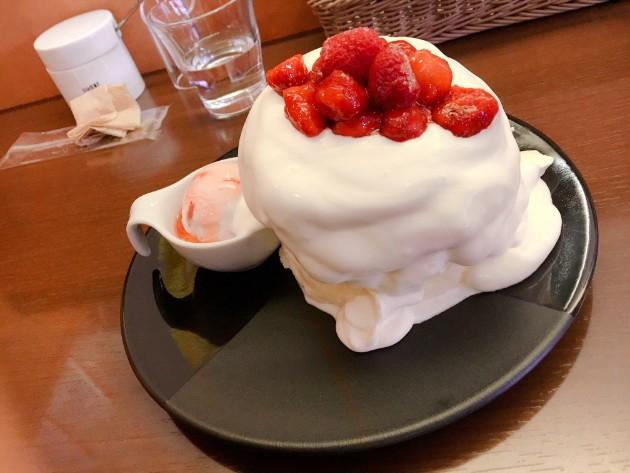 茶香の平日限定の三日月パンケーキです