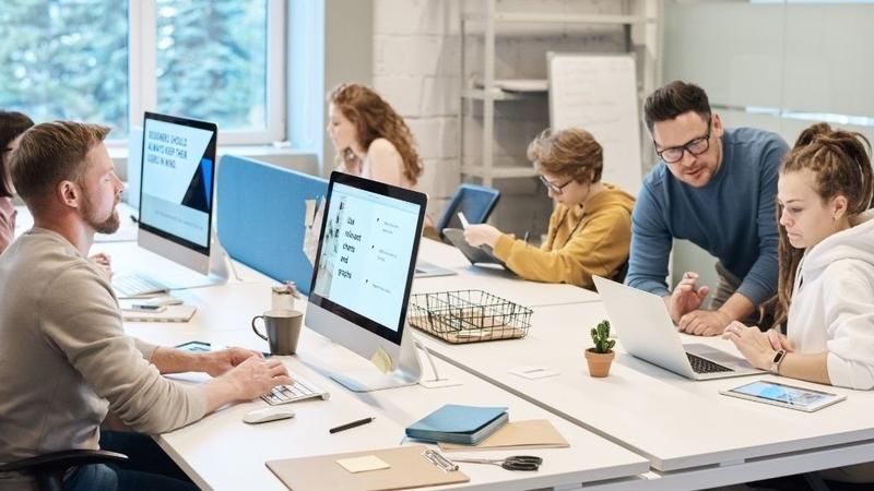 大企業 中小企業 業務範囲