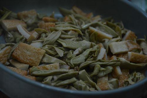 イタドリの炒め物