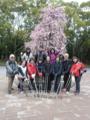 2012.03.10 講習会(大阪城公園) 梅の木の前でポーズ