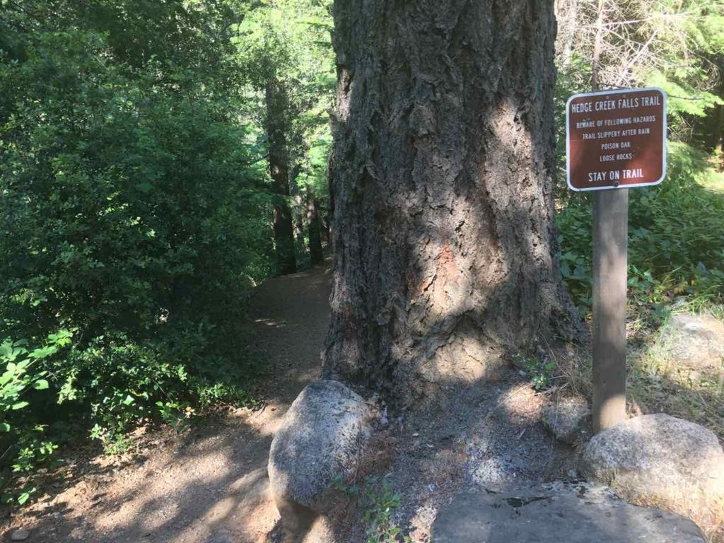 Hedge Creek Fallsの入り口