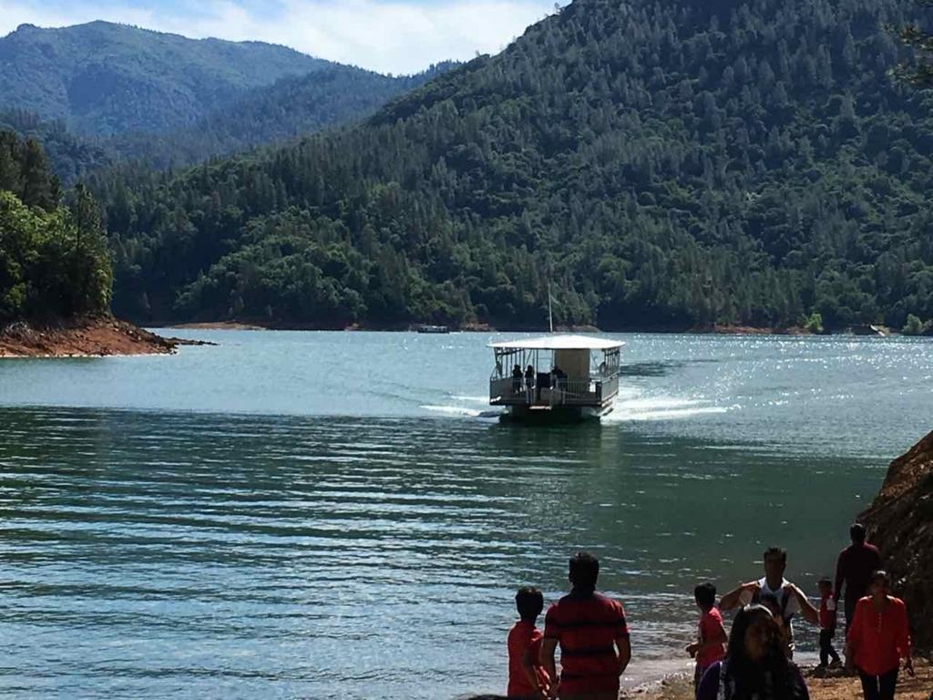 Lake Shastaのボート