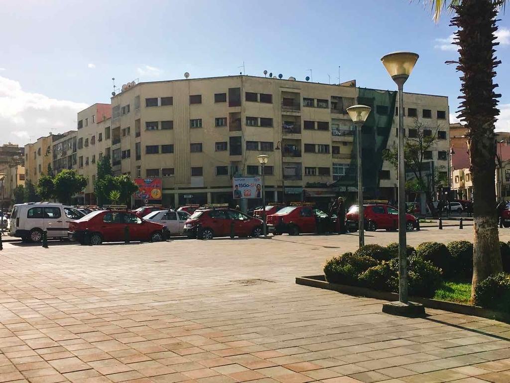 モロッコ・フェズのタクシー