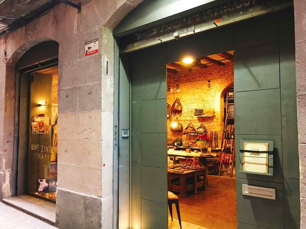 スペイン・バルセロナの革製品のお店Cuirum