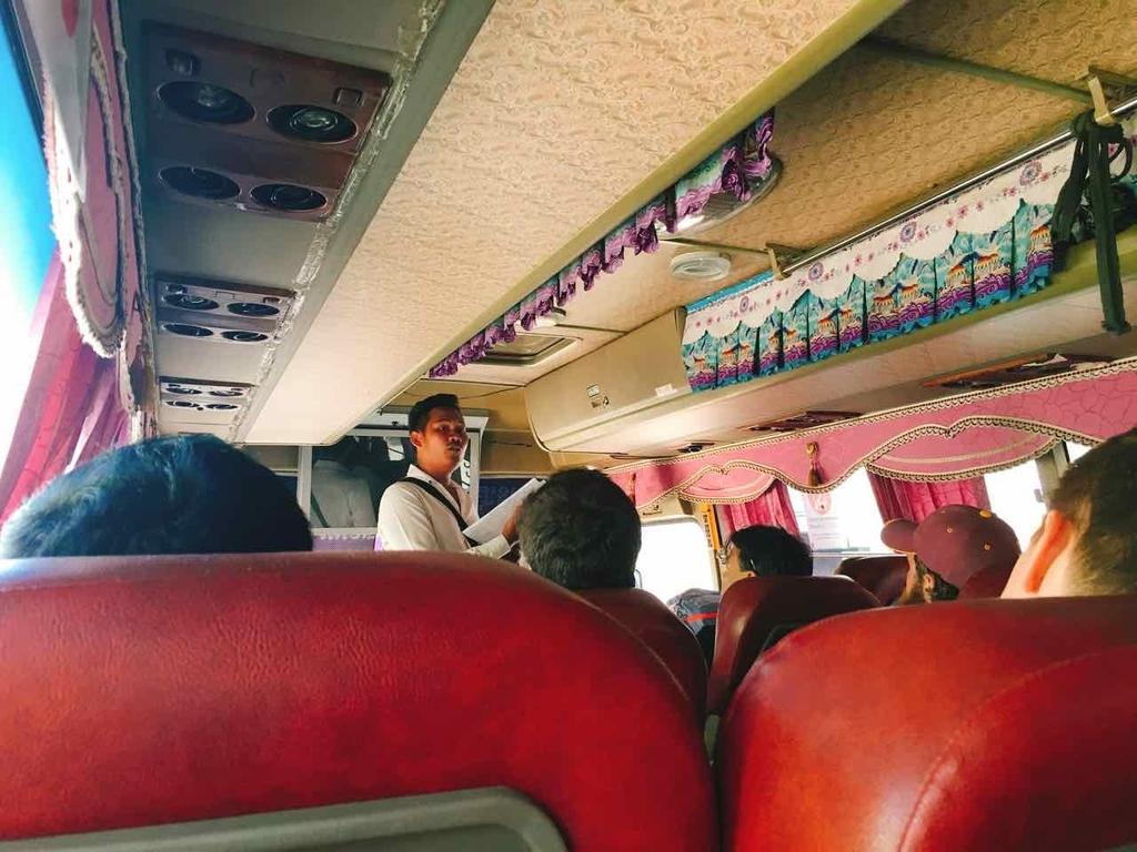 カンボジア行きバス ビザ手続き