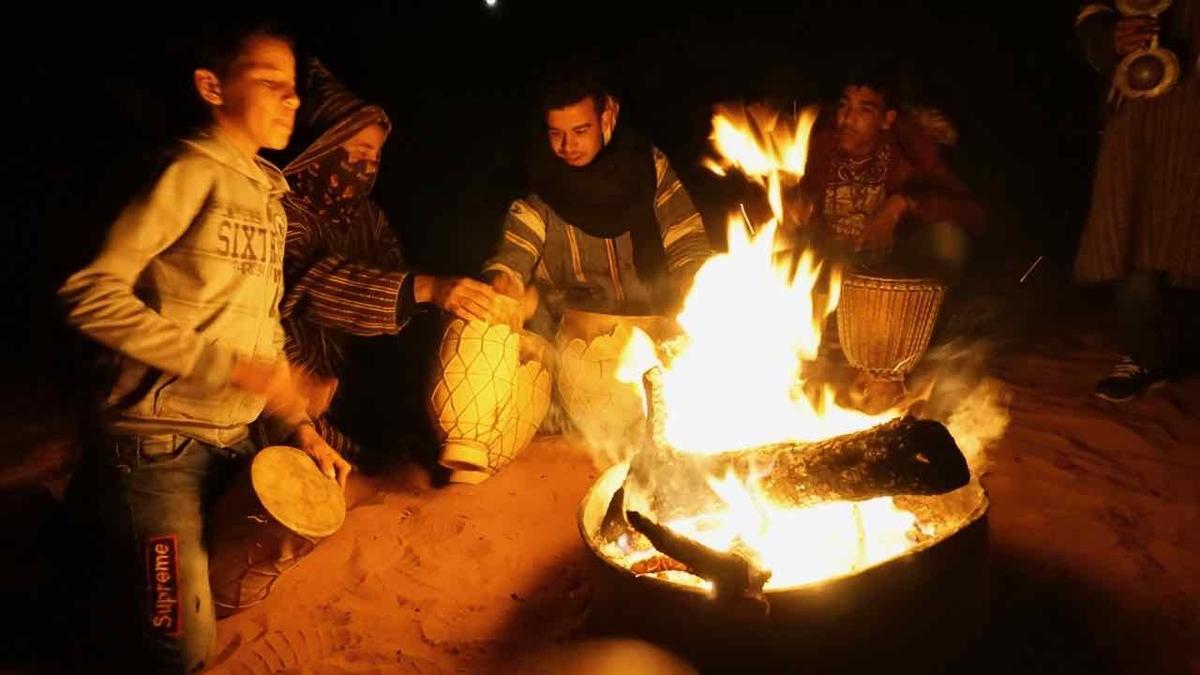 モロッコ 焚き火