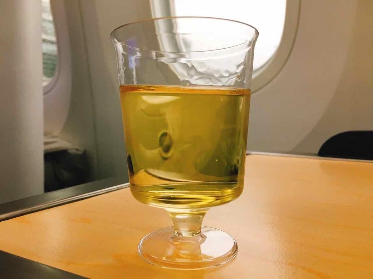 ANAビジネスクラス シャンパン