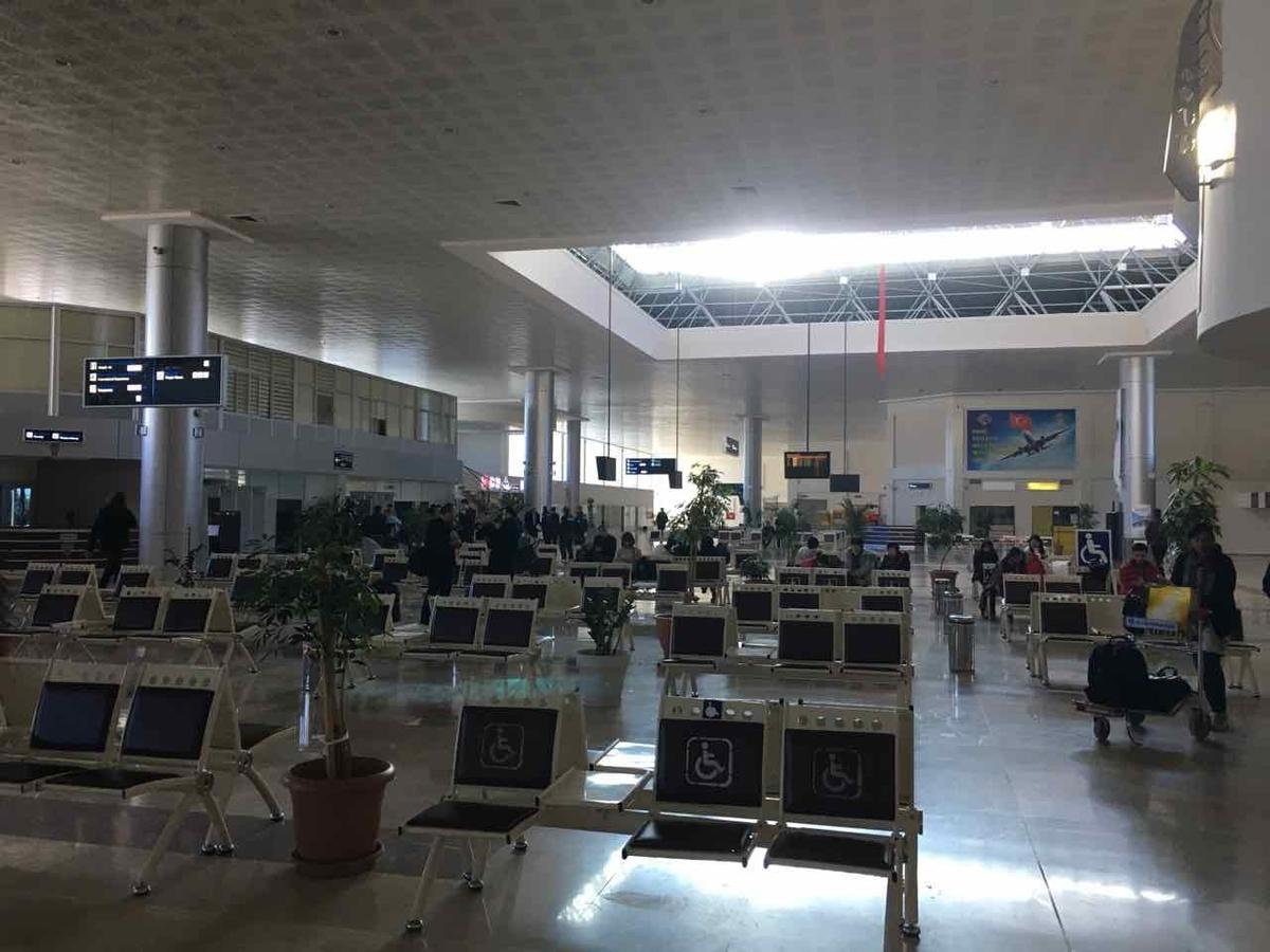 デニズリ空港 中の様子