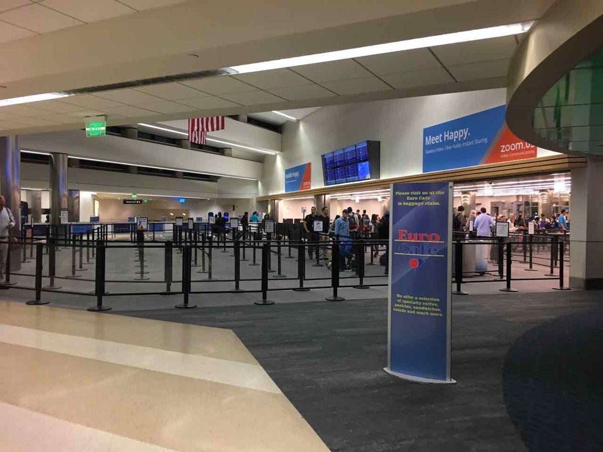 アメリカ サンノゼ空港