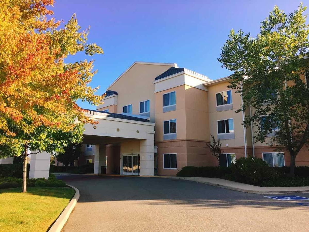 Fairfield Inn & Suites Redding