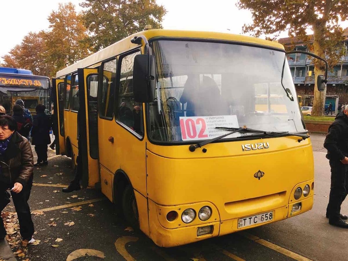 ジョージア トビリシ バス