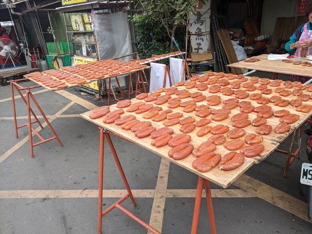 からすみといえば、うに・このわたと共に日本の三大珍味と呼ばれています。台湾ではカラスミをお得に購入することが出来ます。