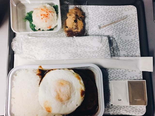 ハワイアン航空の夕食