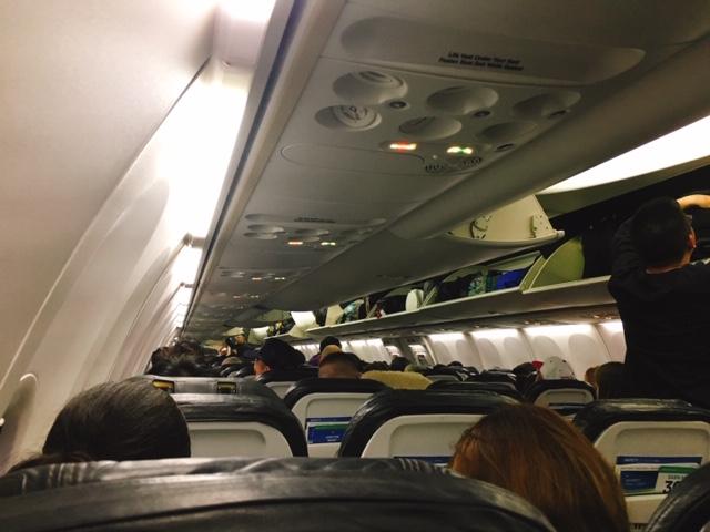 アラスカ航空 機内の様子