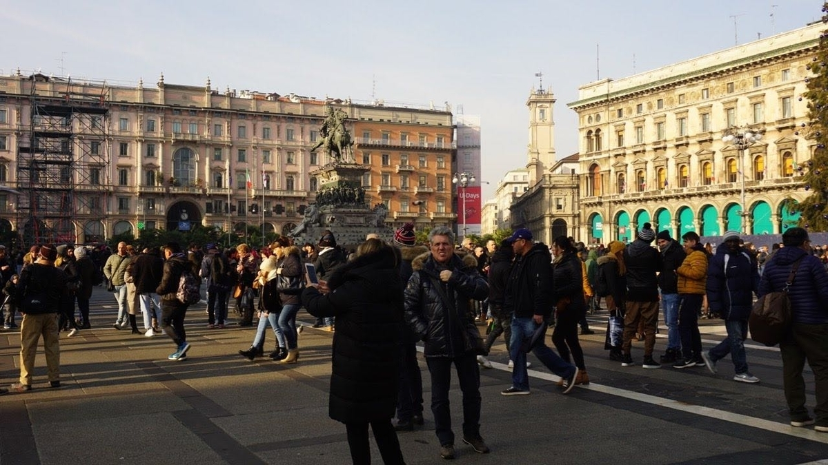 ミラノ ドゥオーモ 広場