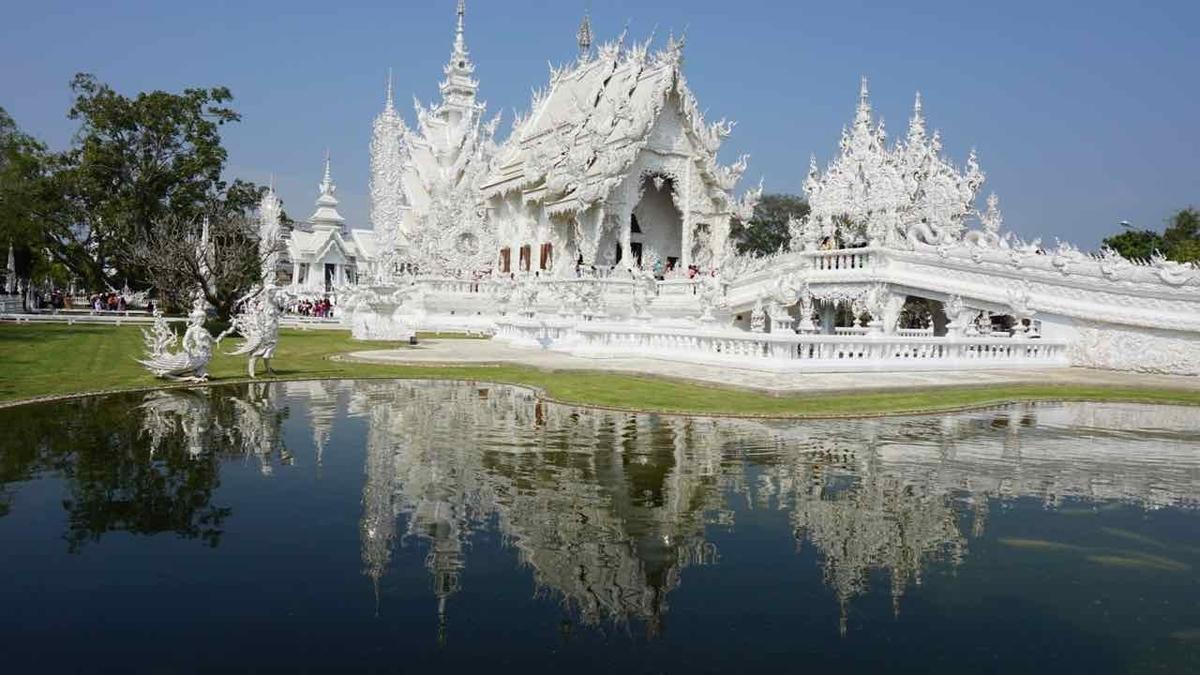 タイ チェンマイ ホワイトテンプル