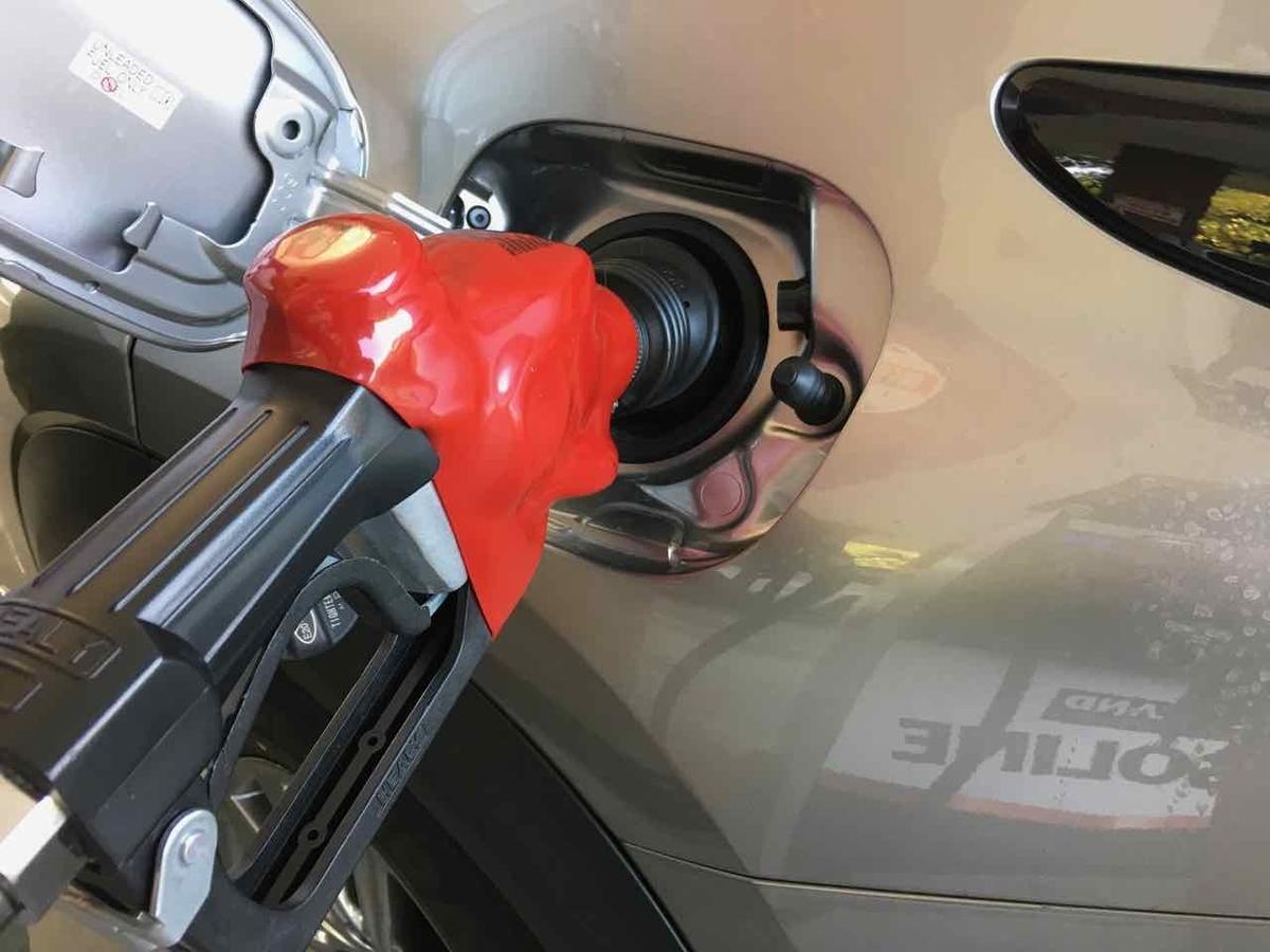 ガソリンの給油 アメリカ