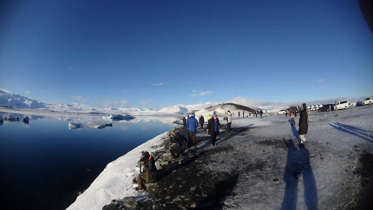 ヨークルスアゥルロゥン氷河湖 売店