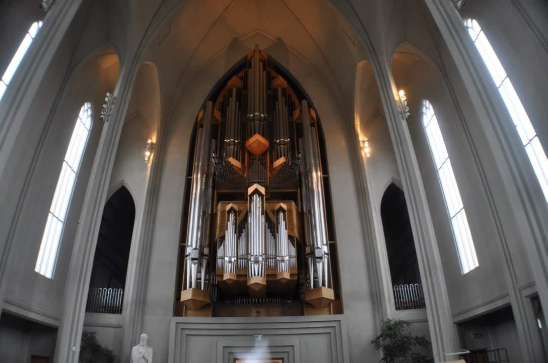 ハットルグリムス教会の中の様子と雰囲気 パイプオルガン