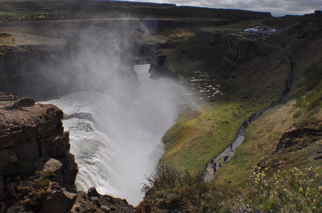 グトルフォスの滝 水しぶき