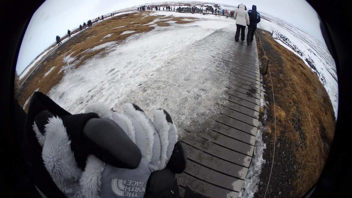 冬のグトルフォスの滝の様子と雰囲気