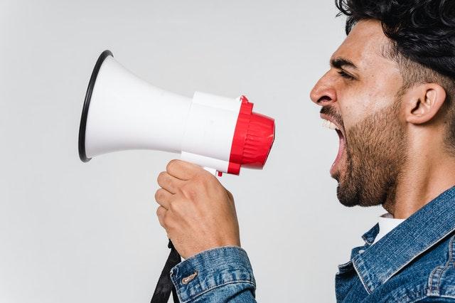 ブログ記事の批判や中傷コメントに対する最強の対処法