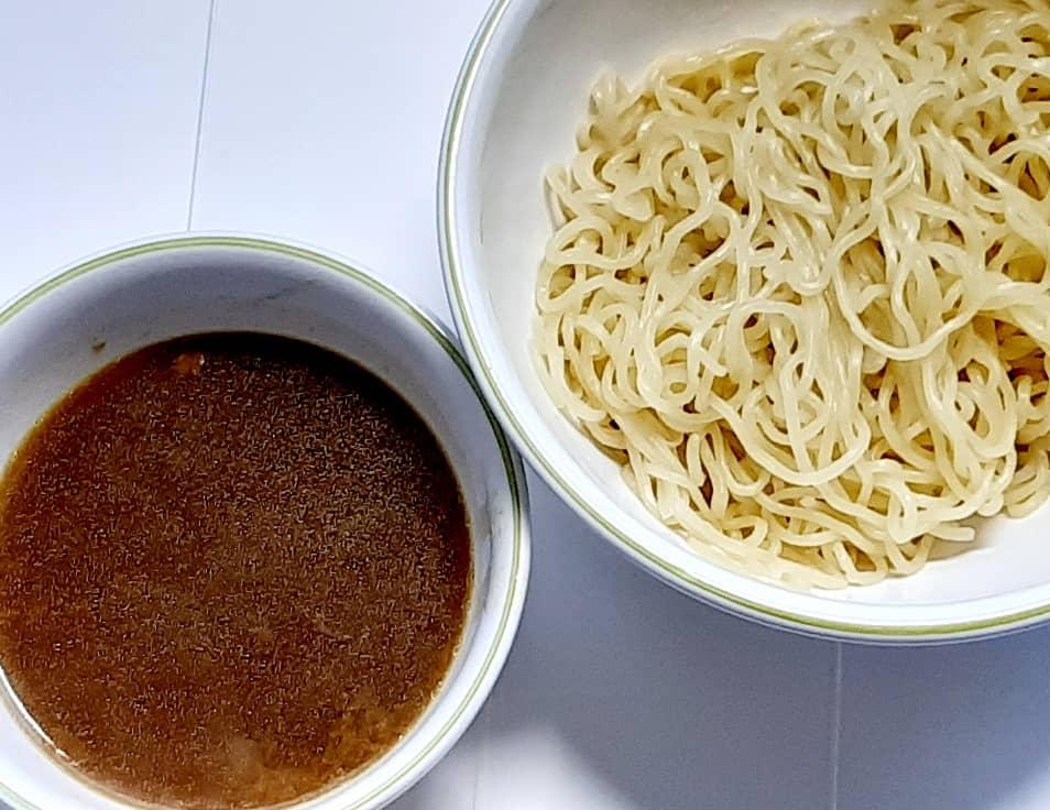 ラヴィットのレトルトカレーで作る「スパイシーカレーつけ麺」を作ってみた。完成