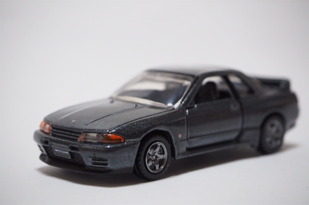 Tomica Premium 26 Nissan Skyline GT-R BNR32