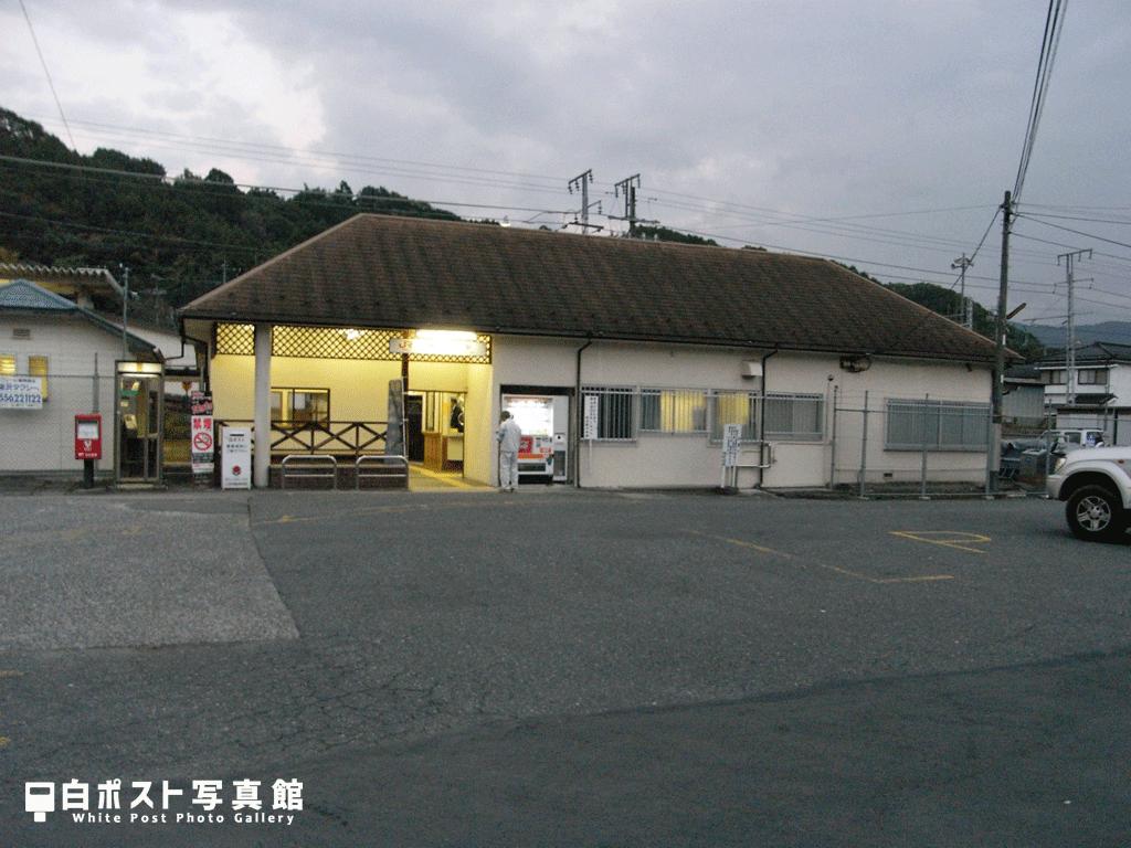 2007年当時の鰍沢口駅舎