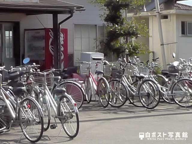 吉成駅の白ポスト