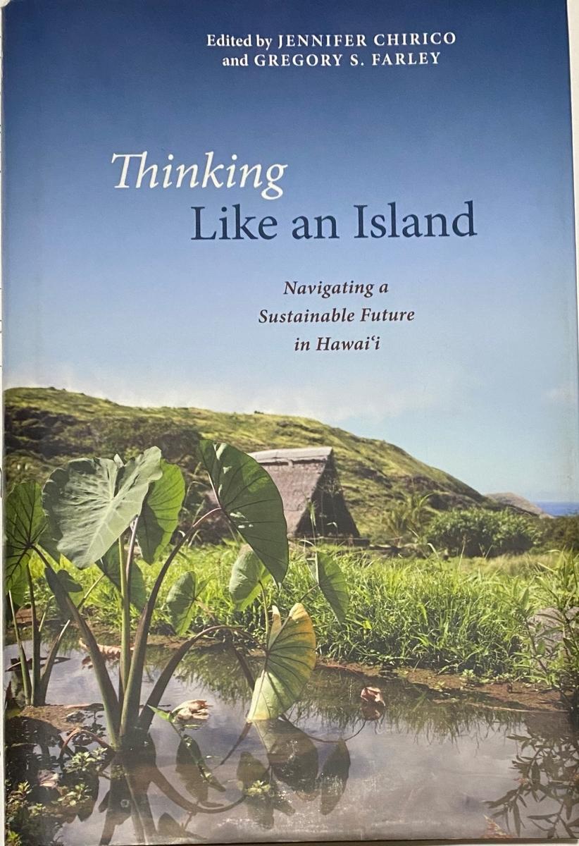 写真_書籍の写真 Thinking Like an Island