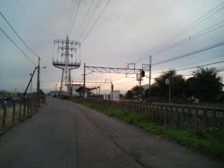 西武立川駅を東側から望む