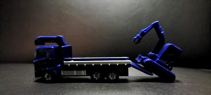 トミカ 重機搬送車