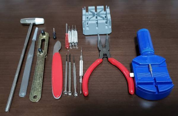 電池交換に使用した時計専用工具